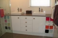 dlux_bathroom3